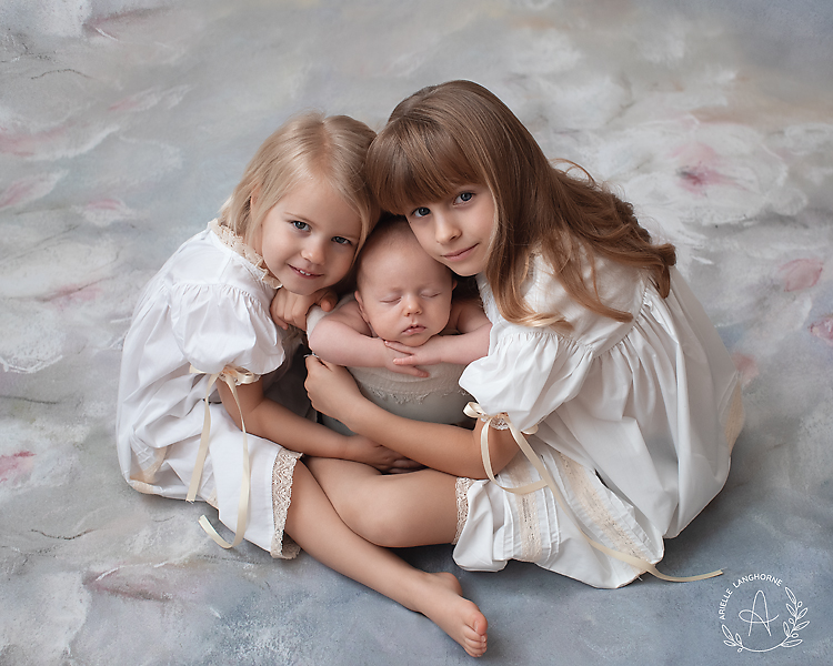 siblings with bucket